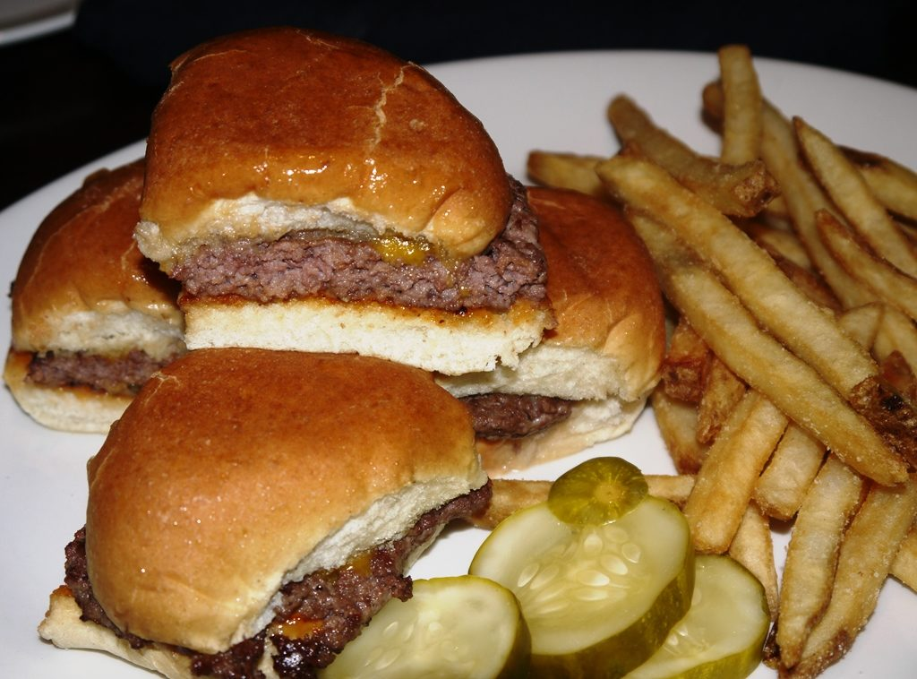 Yard house monday night football happy hour turn happy for Classic sliders yard house