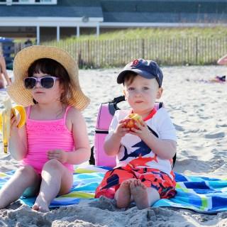 22/52: Beach Babes