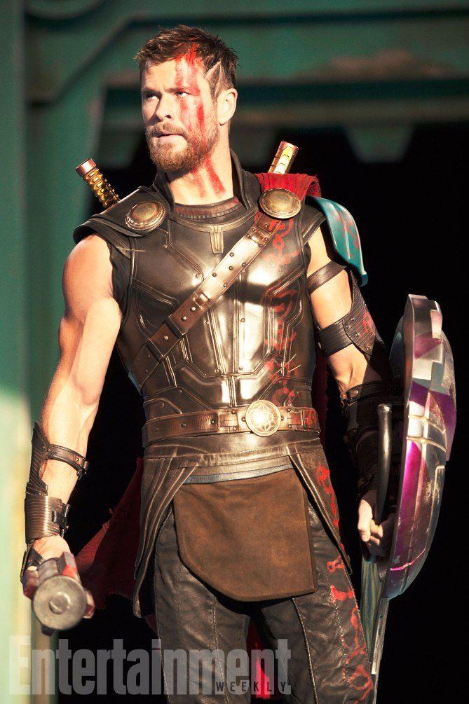Thor: Ragnarok - EW Photos 2