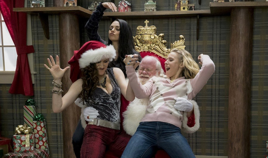 New BAD MOMS CHRISTMAS Red-Band Trailer