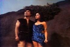 Tang (Robert Ito) und Linda