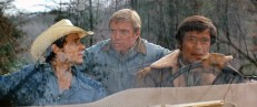 Don Stober (Andrew Prine), Arthur Scott (Richard Jaeckel) und Michael Kelly (Christopher George)