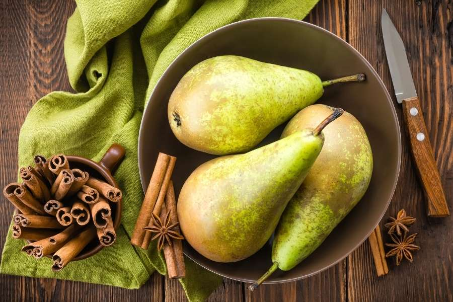 Pears Should Be Part Of A Healthy Diet When You're Expecting