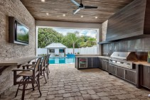 outdoor-kitchen-with-grill-area-and-sunken-bar-florida