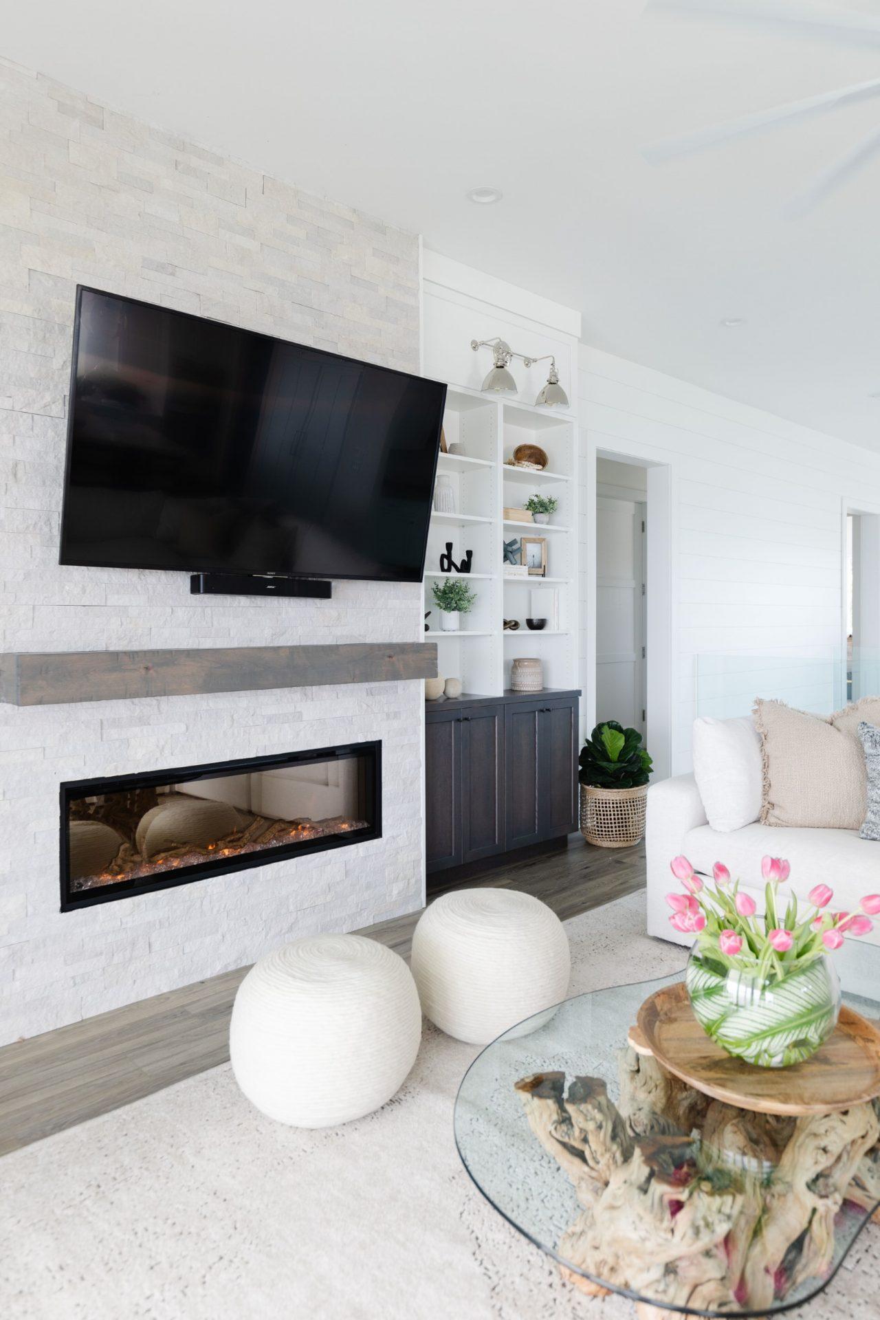 Peet's Perch | Living Room TV & Fireplace