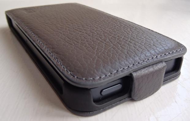 Review: Artwizz SeeJacket Flap Plus Leather Case