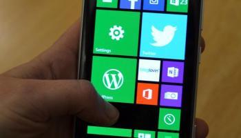 Nokia Lumia 925 on Home Screen