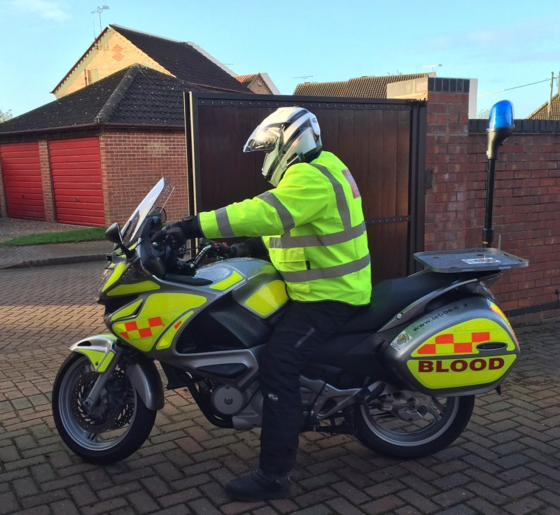 LincsGeek on the LEBBS Blood Bike