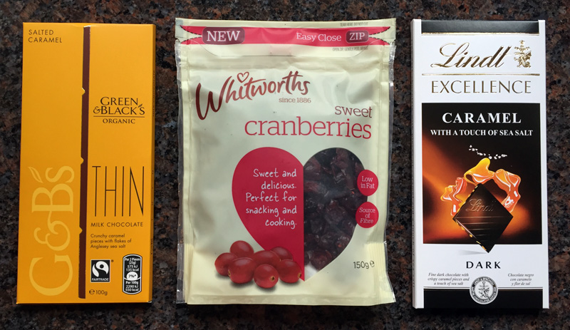 Snacking - Snacks - Chocolate and Cranberries