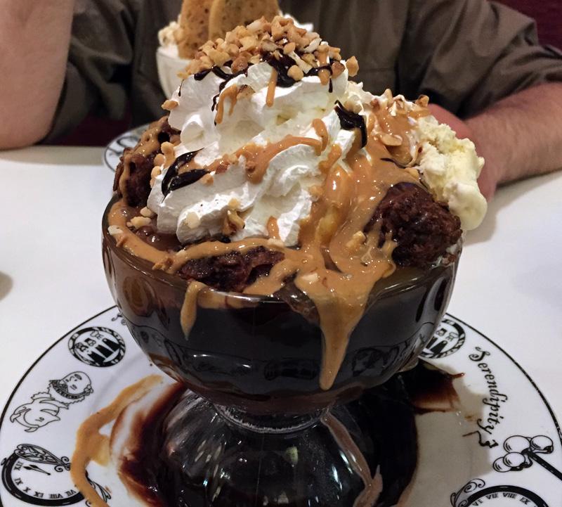 Zartusacan - Serendipity Ice Cream Sundae