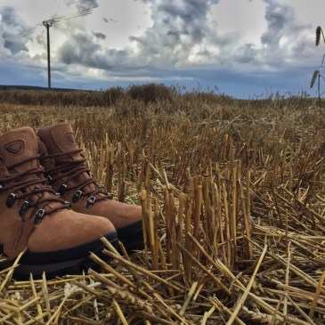 BREAKING IN LEATHER HIKING BOOTS | BRASHER COUNTRY MASTER
