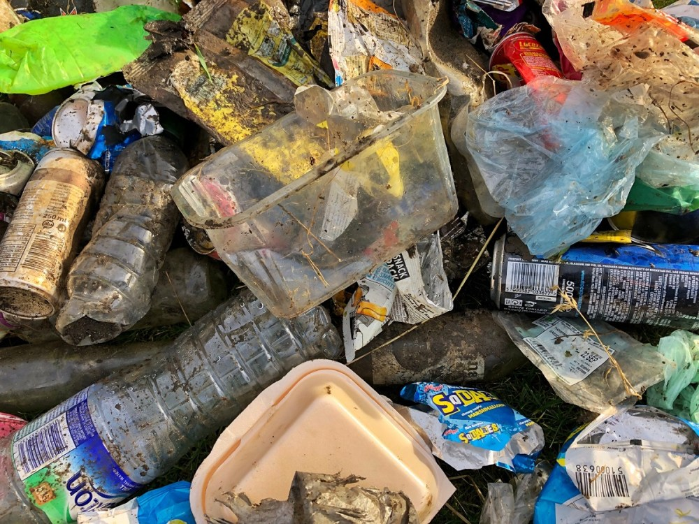 Splodz Blogz | Clean Up Plastic Litter