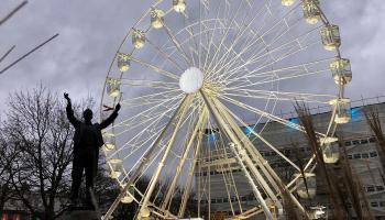 Splodz Blogz | Light Up Cheltenham Observation Wheel