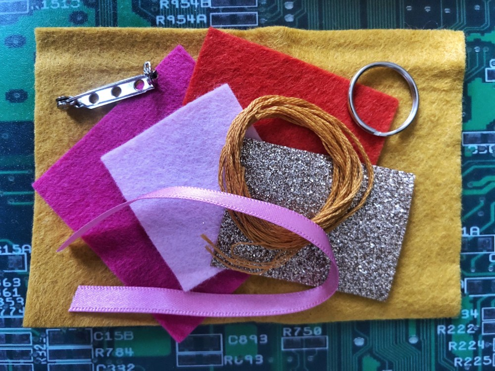 Splodz Blogz | The Make Arcade Felt Rainbow Kit