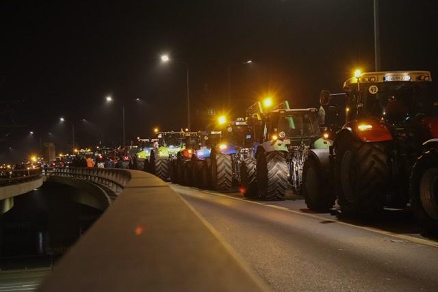 Traktoren blockieren Dresdener Innenstadt