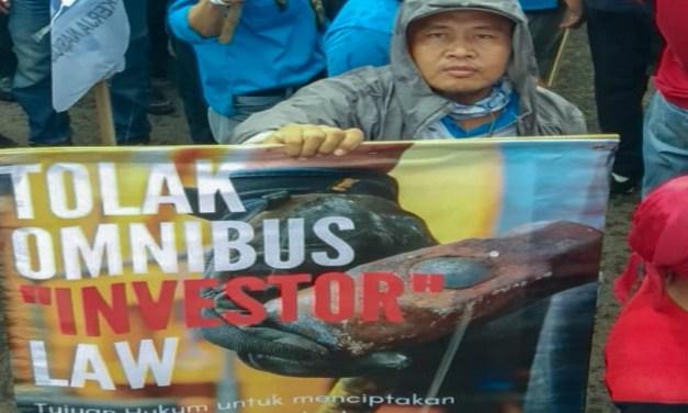 RUU OMNIMBUS LAW CIPTA KERJA TIDAK MELINDUNGI PEKERJA INDONESIA