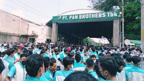MAYBANK GUGAT PKPU EMITEN TEKSTIL PAN BROTHERS (PBRX)
