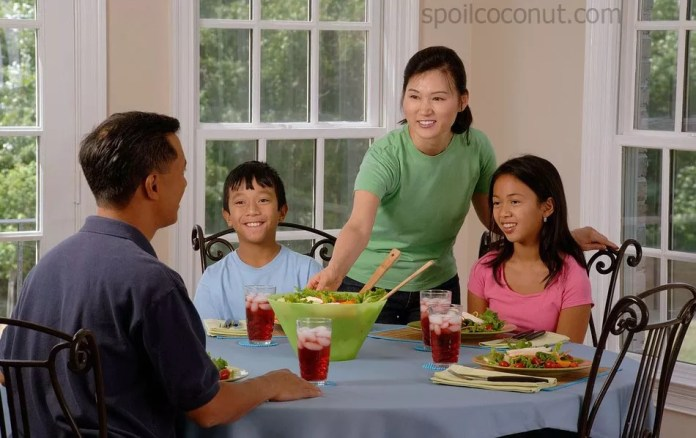 eat dining_table