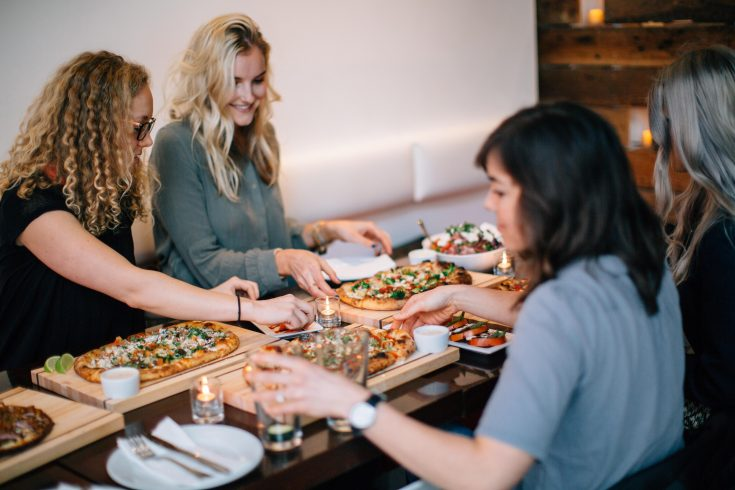 10 TIPS FOR BALANCING EATING OUT AND STAYING FIT