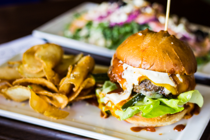 THE $10 BURGER THAT WILL CHANGE YOUR WEDNESDAY
