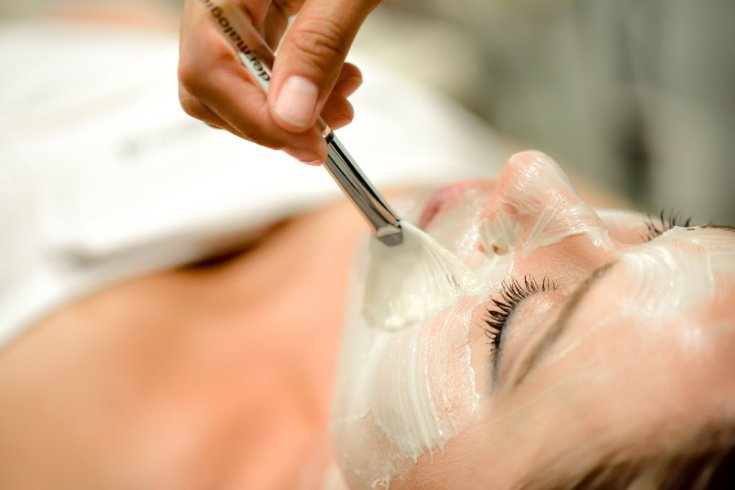 THE HEALING HUT- LASHES, WAXING, & FACIALS