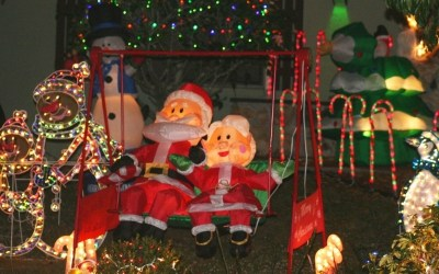 The Best Outdoor Christmas Decorations for December 2020