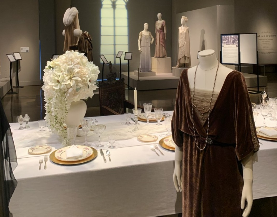 Dressing the Abbey Spokane Display