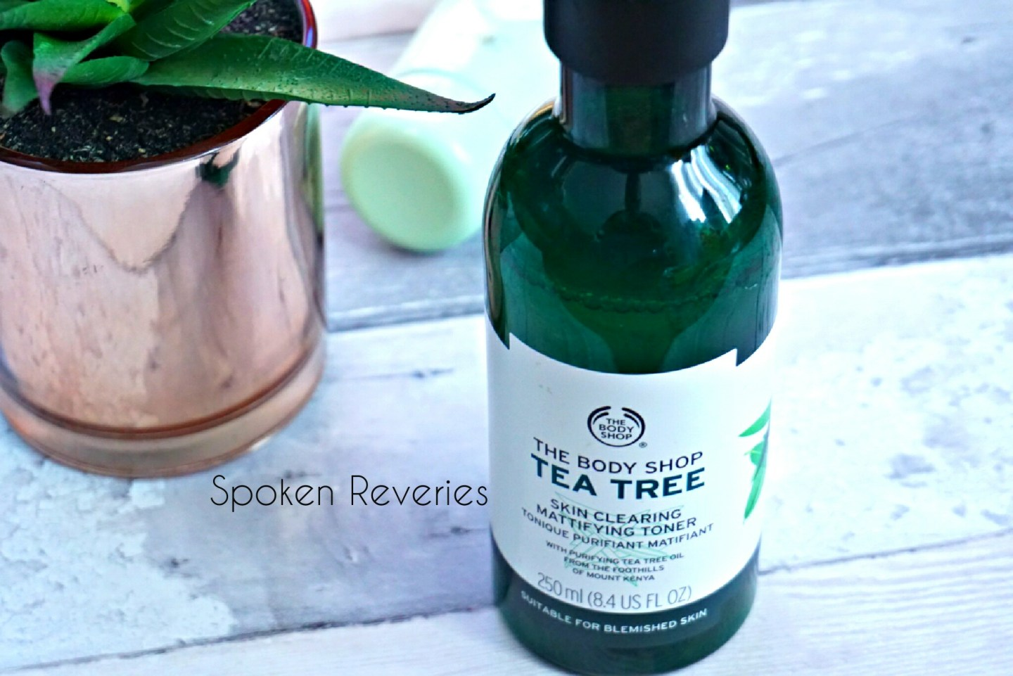 Body Shop Tea Tree Skin Clearing Mattiying Toner