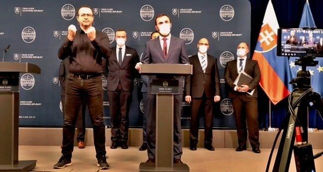 Tlacova-beseda-ministra-financii-14.10.2020-foto-z-videa-facebook.com-ministerstvo.financii.sr-650