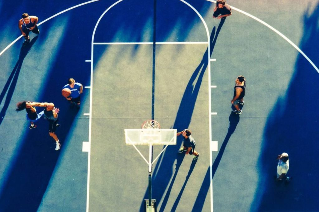 Street basketball court in Los Angeles — Spoly