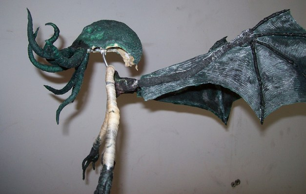 Crafting a Cthulhu stop-motion puppet. Via Propnomicon