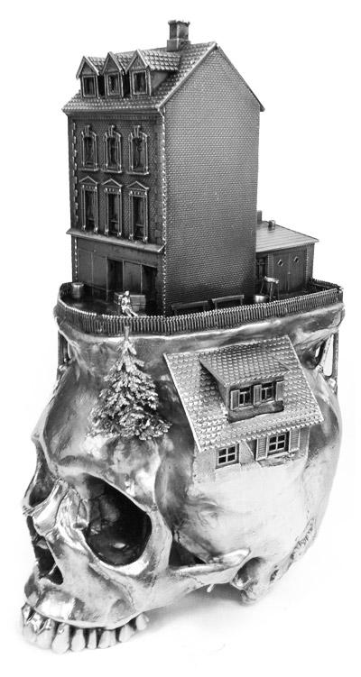 Sculpture by Frodo Mikkelsen. Via Creepy Art.
