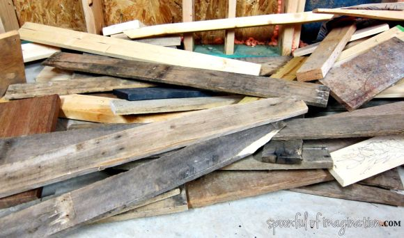 Old_wood_pile