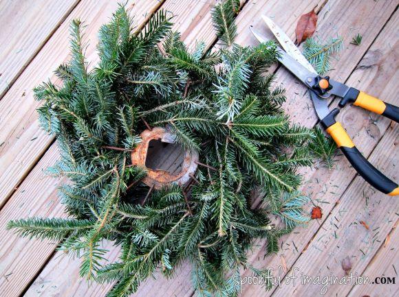 christmas_trimming_wreath_tutorial