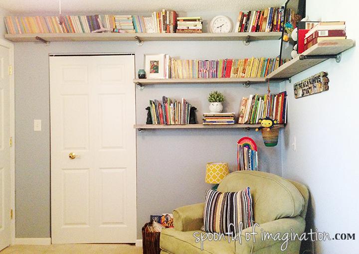 shelves_for_kids_room