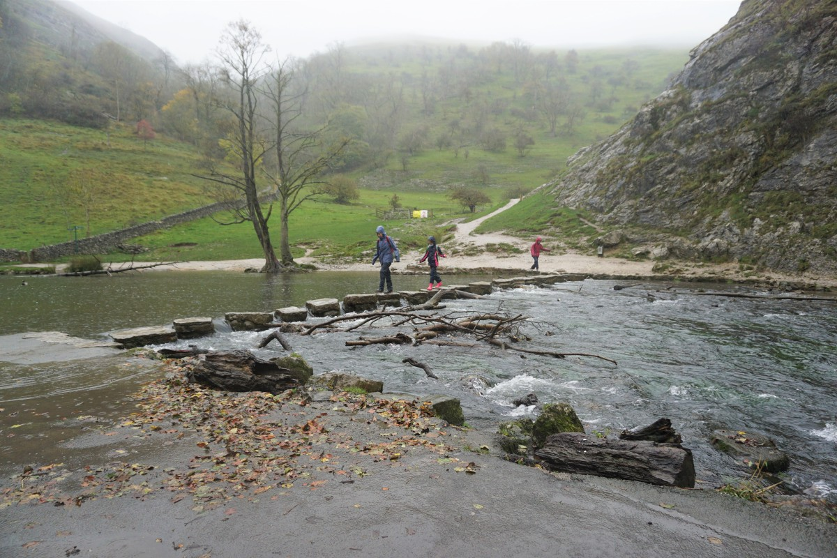A hour at Dovedale Stepping Stones, Peak District Review