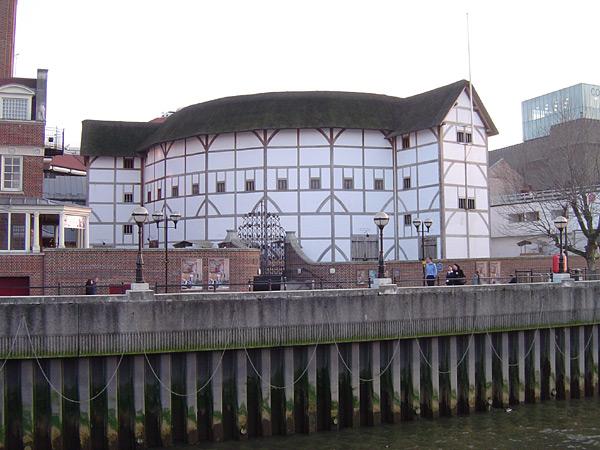 Shakespeare's Globe am Themseufer
