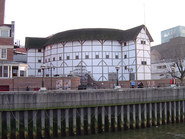 Shakespeare's Globe am Themseufer