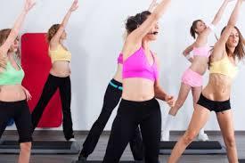 Chorégraphie aérobic débutant en vidéo : un bon moment. Un réel plaisir de pratiquer cette activité. Elle permet de perdre du poids et des calories.