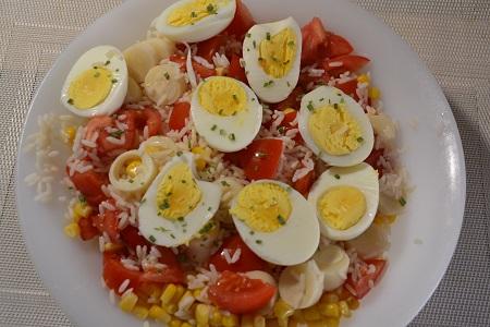 Salade composée riz oeufs cookeo