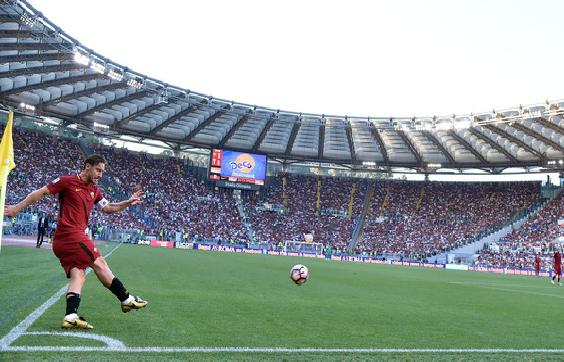 بالفيديو.. روما يتأهل إلى دوري الأبطال في ليلة وداع توتي
