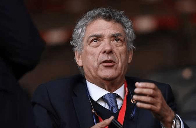 كم يتقاضي رئيس الاتحاد الإسباني من مسؤولياته في كرة القدم؟