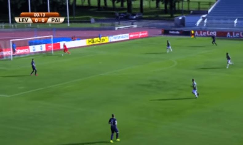 بالفيديو.. فريق إستوني يسجل هدفا في مرمى خصمه دون أن يلمس الكرة!