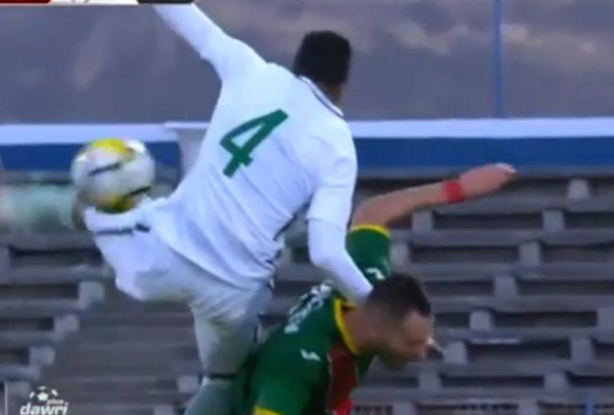 السعودية وبلغاريا: شاهد تدخل عنيف ومتهور من الفتيل ضد لاعب بلغاري!