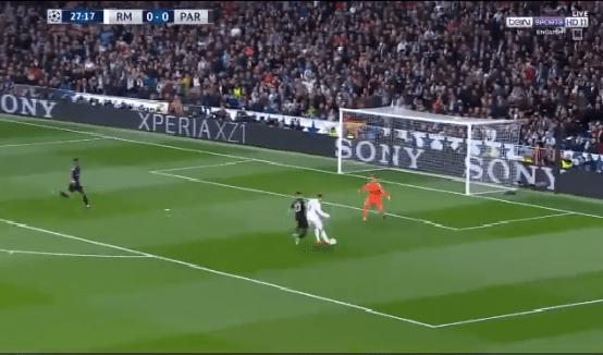 بالفيديو.. رونالدو يهدر فرصة هدف محقق لريال مدريد