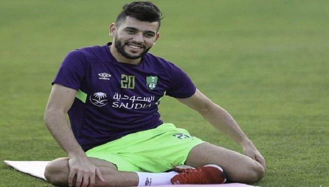 """الأهلي يوجه صدمة للاعب التونسي """"بن عمر""""!"""