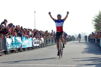 Serge Blodin vainqueur deavnt Bossis et Arroyo