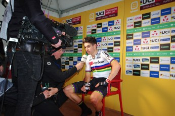 interview apres course pour Wout Van Aert