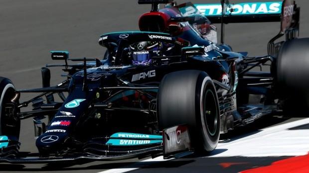 Hamilton pobednik Velike nagrade Britanije