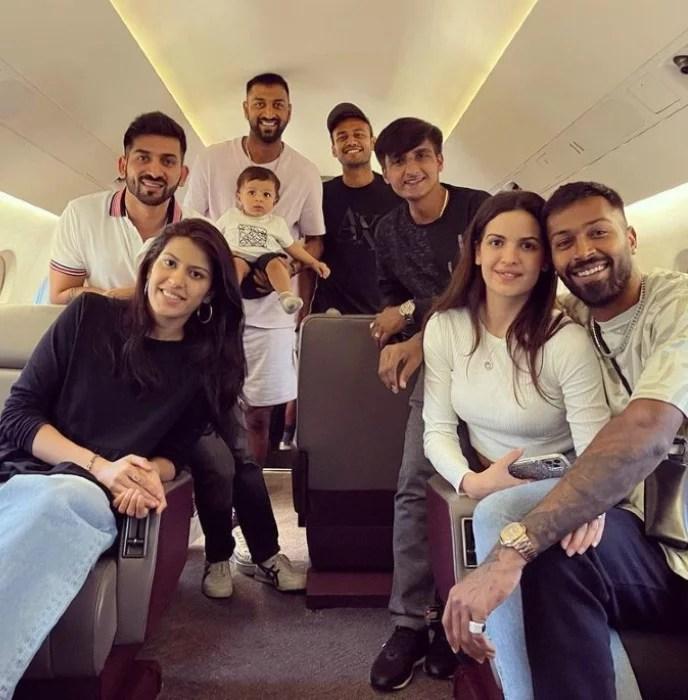 Hardik Pandya with family